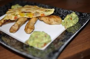 Mexican night: Quesadilla cu legume si piept de pui