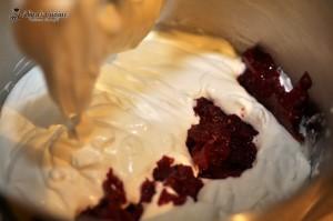 tort cu crema de zmeura 005