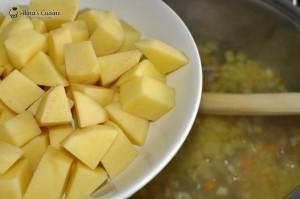 Ciorba de legume cu afumatura si zdrente de ou 03