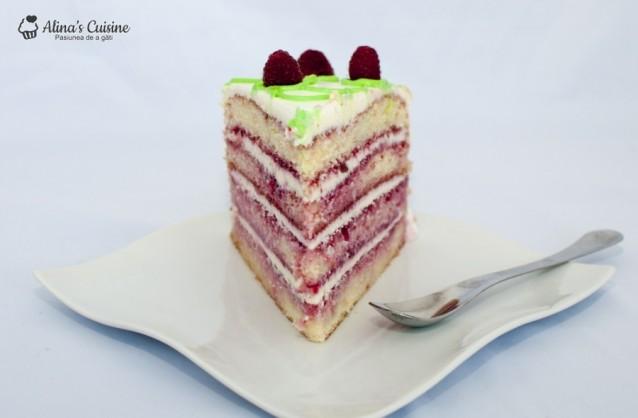 Tort cu crema de lamaie si jeleu de zmeura
