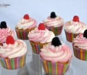 Cupcakes (briose) cu frosting de mascarpone si frisca