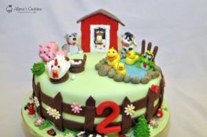 Ferma animalelor – tort cu mousse de visine