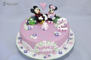 Tort Mickey si Minnie la party