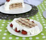 Prăjitură cu pișcoturi și cremă de căpșuni