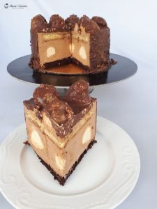 Tort ecler cu mousse caramel si galzura de ciocolata